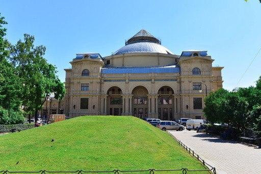 В Петербурге реконструируют здание «Мюзик-Холла»_5fc096572eab0.jpeg