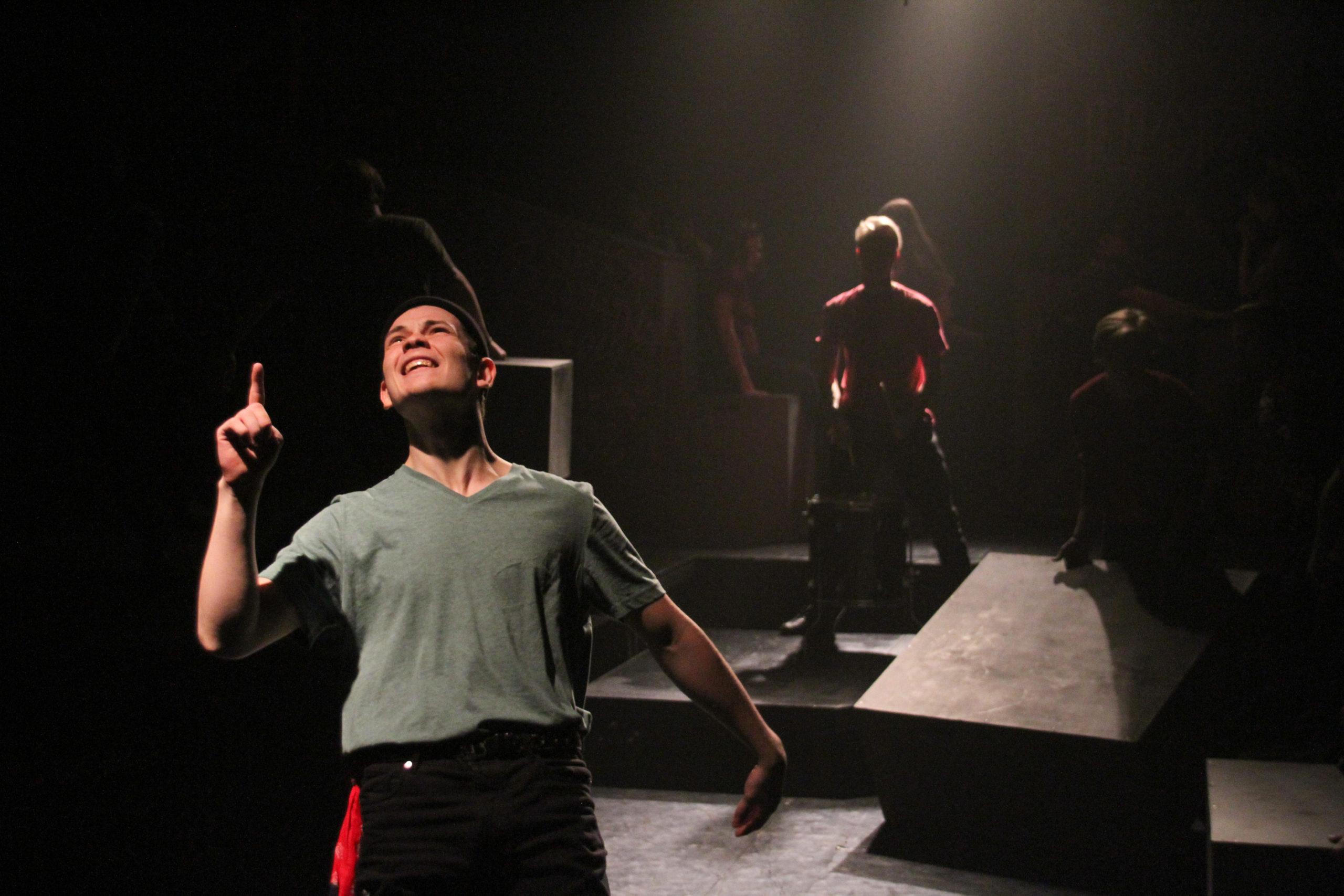 Премьера спектакля по творчеству Виктора Цоя в Учебном театре «На Моховой»_5fe6d427369e1.jpeg