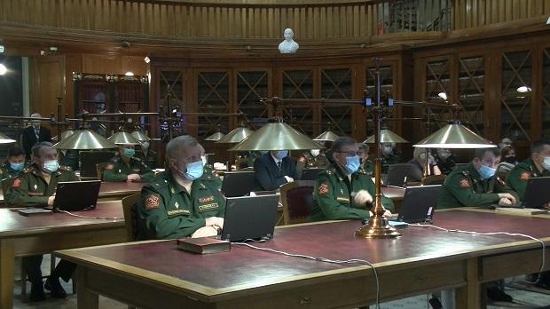 В Петербурге открылась военная электронная библиотека_5fe6d422165bd.jpeg